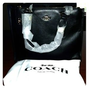 Coach Crossbody Carryall in Leather Black